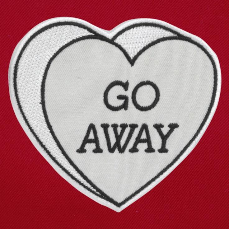 Badge Go away - 39