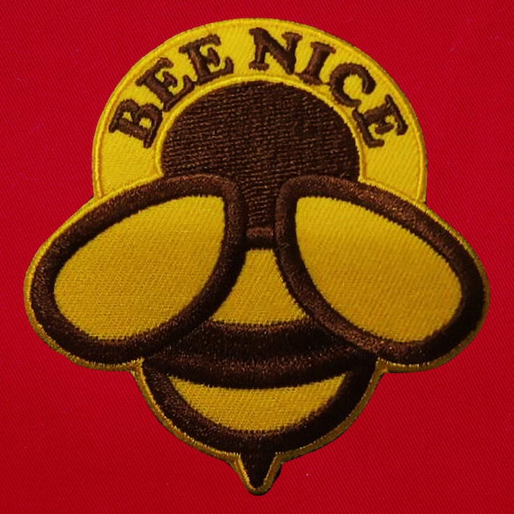 Badge Bee Nice - 124