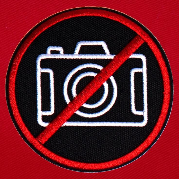 Badge No Photo Black - 109