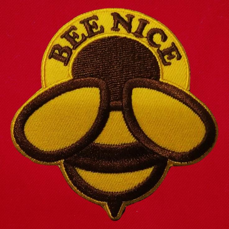 Badge Bee Nice - 124