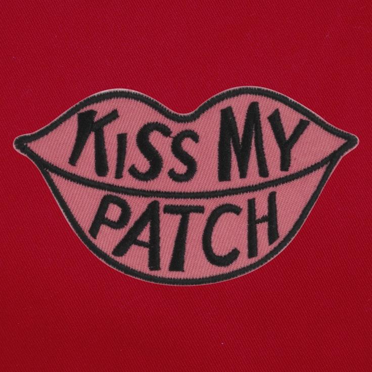 Badge Kiss My- 32