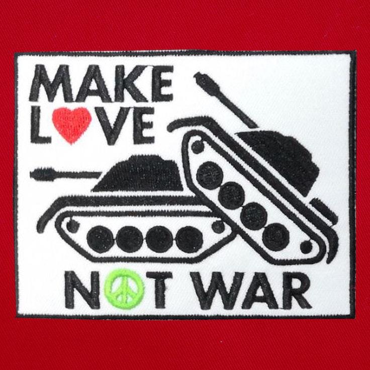 Badge Make Love - 125